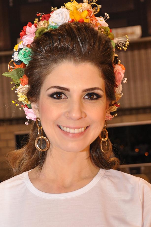 Rainha m nchenfest concurso seleciona 30 candidatas para a for Cristina dos santos