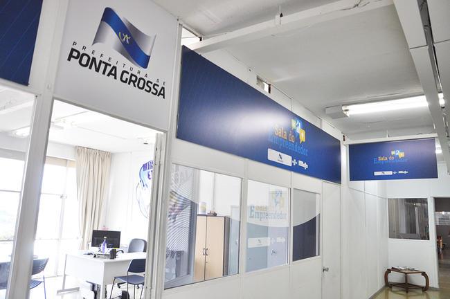 Indústria e Comércio inaugura nova Sala do Empreendedor
