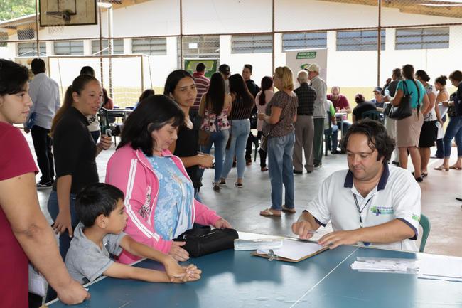 Agência da Cidadania atende mais de 500 pessoas no Santa Paula