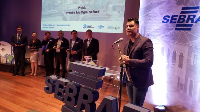 """Rangel recebe prêmio estadual """"Prefeito Empreendedor"""""""