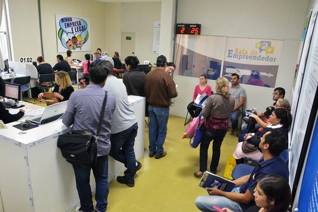 Sala do Empreendedor auxilia MEIs no parcelamento de débitos com a Receita Federal