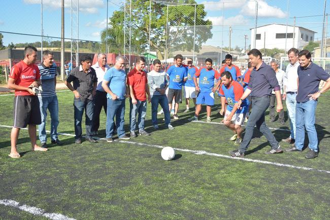 Rangel garante mais campos de futebol society nos bairros até julho ... 516d5ac46ee6a