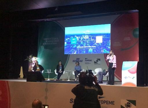 Prefeitura apresenta ferramenta online para empresários em encontro paranaense de negócios